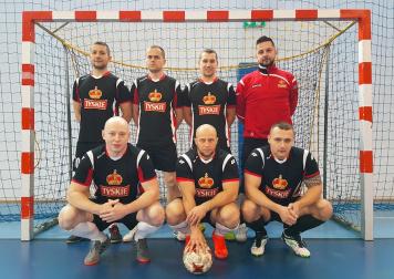 Tyszanie w srebrze. Drużyna Tyskich Browarów Książęcych wicemistrzem katowickiej amatorskiej ekstraligi piłkarskiej