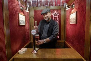 Poland's first elevator bar – Tyskie's social experiment