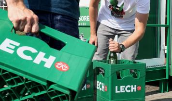 Kompania Piwowarska otworzyła punkt skupu butelek zwrotnych po piwie. Wszystkich!